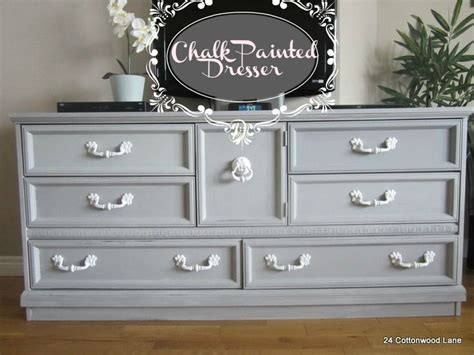 Chalk Painted Dressers by Best 25 Chalk Paint Dresser Ideas On Chalk