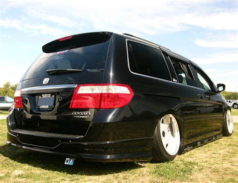 slammed honda odyssey 8 car trends that zero sense