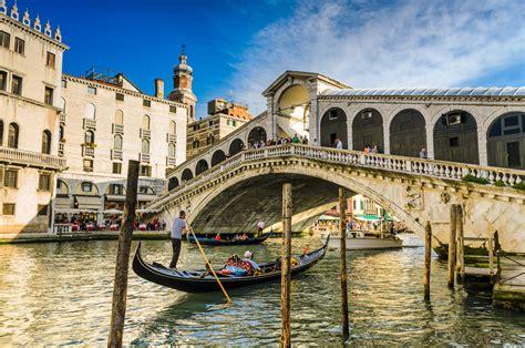 best gondola ride venice venice sightseeing tour gondola ride tickets city wonders