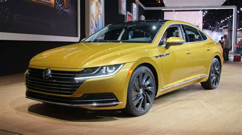 volkswagen arteon 2019 volkswagen arteon makes us debut at chicago auto