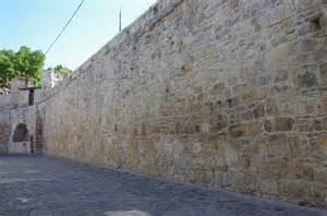 file fragments of cluj city walls from potaissa street 2012 005 jpg wikimedia commons