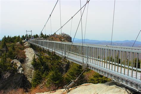 grandfather mountain swinging bridge deaths feats on foot