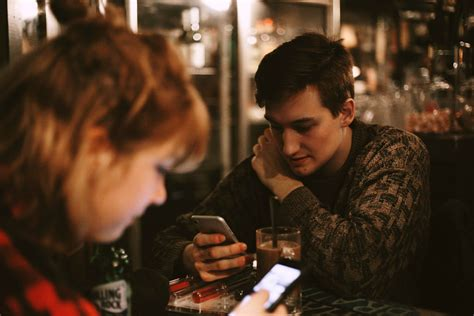 7 Ways To Deal With An Awkward Date by 12 Tips How To Handle Awkward Dating Moments Protocol