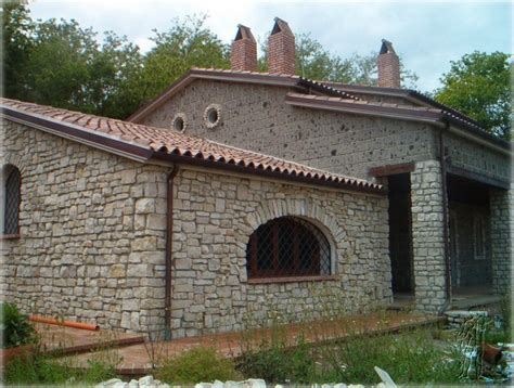 casa in pietra massicciate opere fluviali dissesto idrogeologico