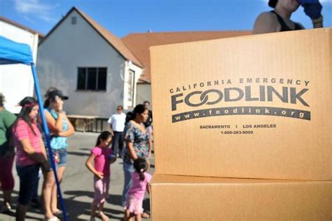 Salvation Army Food Giveaway - salvation army merced county food bank serve hundreds in los banos the merced sun