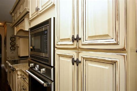 Distressed Antique White Kitchen Cabinets by Kitchen Cabinets Glaze And Distress 5 Antique Glazed