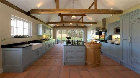 kitchens and interiors country farmhouse style kitchens farmhouse country