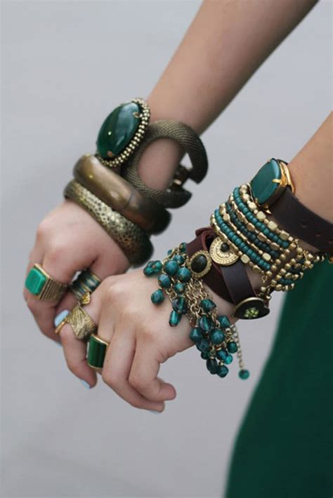 beautiful hands with bangles dps for girls awesome dp beautiful hands with bangles dps for girls awesome dp