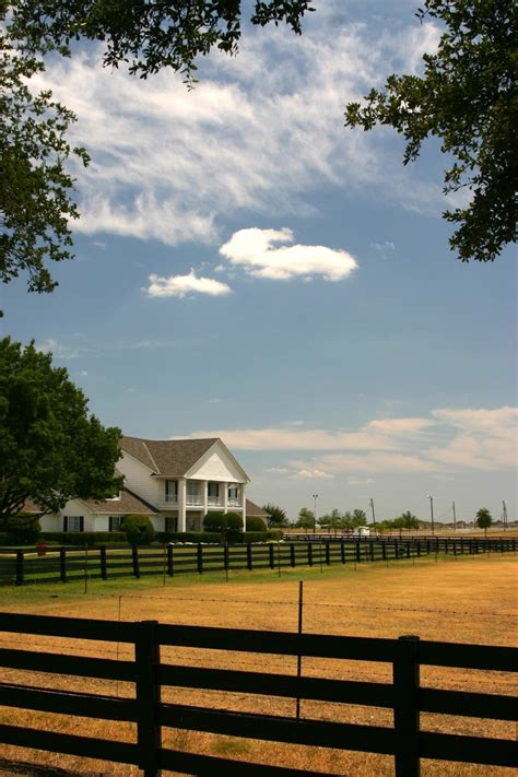 southfork ranch southfork ranch home of j r ewing pin beautiful homes tvs and beautiful