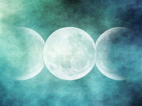 triple moon by lulafay on deviantart
