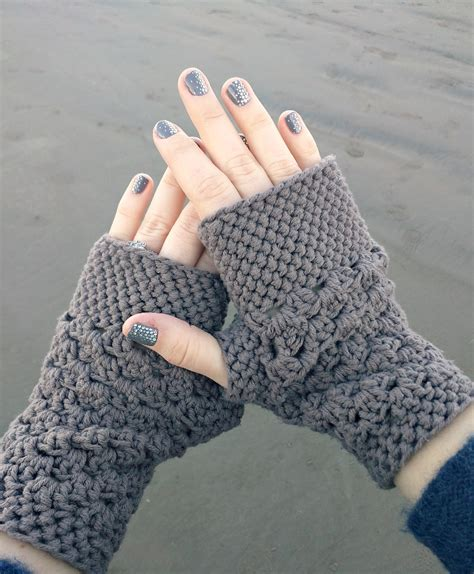 free pattern for crochet fingerless gloves domestic bliss squared chunky fingerless gloves free