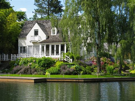 Homes Lake by Lake Oswego Property Management Portland Property