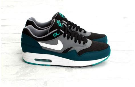 Nike Airmax 04 nike air max 1 essential black white mid turquoise