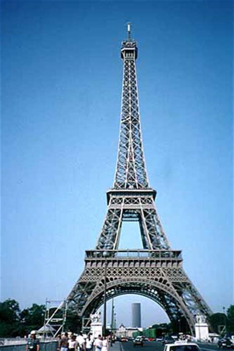 eiffel tower color photos eiffel tower color
