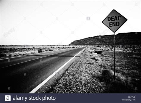Dead End Dead End Sign Along Desert Highway Nevada Usa Stock