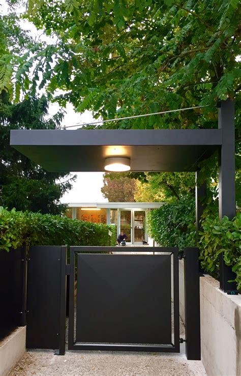 tettoia cancello cancello in stile moderno pedonale automatizzato con