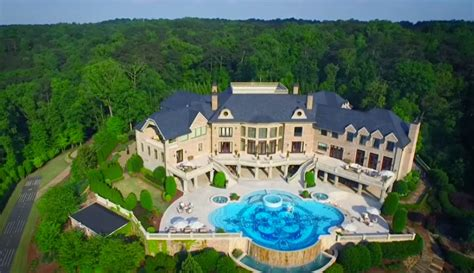 Tyler Perry House Giveaway - tyler perry s 25 million mansion for sale who wants it rtm rightthisminute