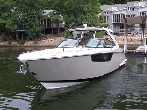 Bowrider Boats With Cabin by 2017 New Monterey 378 Se Bowrider Cuddy Cabin Boat For