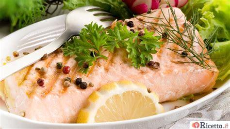 come cucinare tranci di salmone fresco 3 ricette con il salmone fresco secondi piatti ricetta it