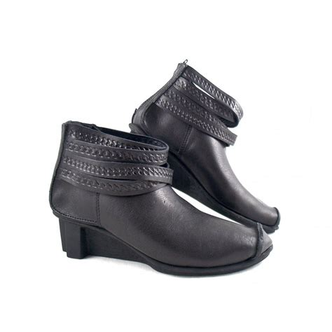 ankle support boots for s trippen brace detaail ankle boots trippen