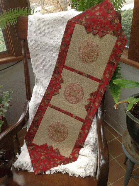 10 minute table runner free pattern