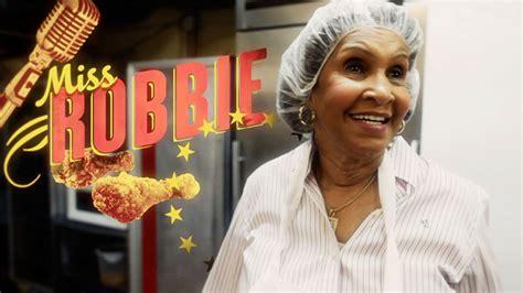 Pictures Of Miss Robbie Many Hairstyles   miss robbie montgomery hairstyles own sweetie pies meet