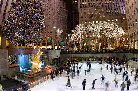 when is the 2014 rockefeller center christmas tree