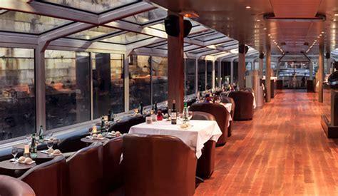 bateau mouche bar diner croisiere paris