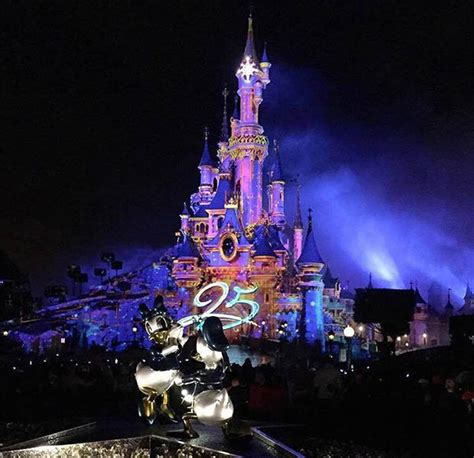 entradas eurodisney paris disneyland paris why you need to visit during 25th