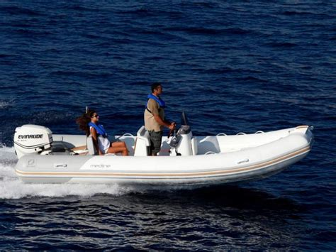 speed boat zodiac boat zodiac medline 580 neo inautia inautia