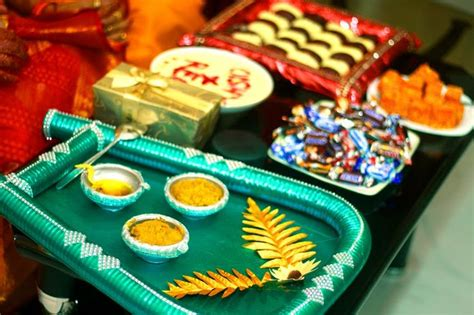 bengali wedding guide gaye holud or turmeric on the body 20 best images about gaye holud on pinterest south asian