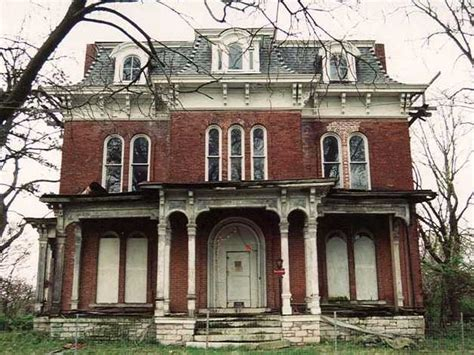 5 american haunted houses their creepy backstories 10 most haunted homes in the us business insider