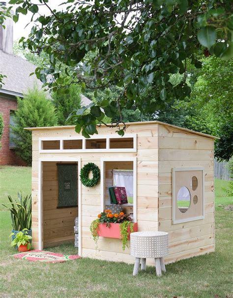 build backyard playhouse best 25 playhouse outdoor ideas on pinterest backyard