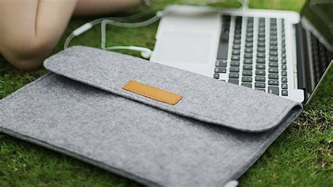 best sleeve for macbook air the best macbook air cases and sleeves slideshow from