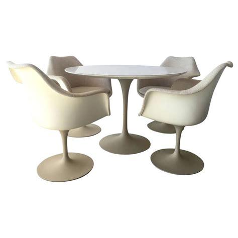 Early Eero Saarinen For Knoll Dining Table At Eero Saarinen For Knoll Associates Tulip Dining Table