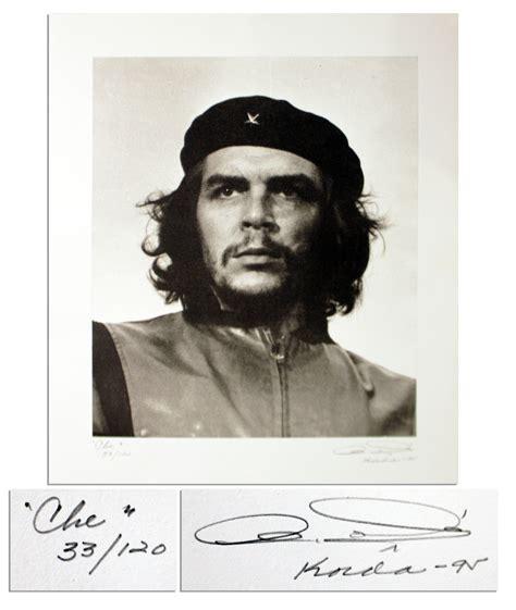 Kaos Chie Guevara Black Edition lot detail che guevara heroic warrior signed by