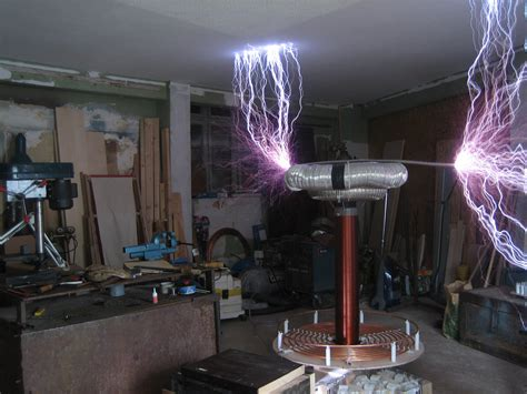 History Of The Tesla Coil File Spark From 4kva Tesla Coil Jpg Wikimedia Commons
