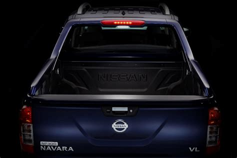 nissan up philippines nissan philippines adds new variant to np300 navara line