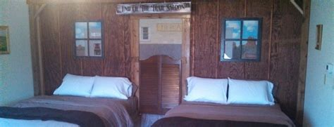 themed hotel rooms iowa country cabins motel nicest motel chariton ia 641