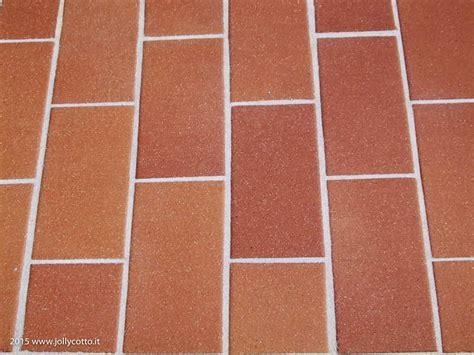 pulire fughe pavimenti consigli e suggerimenti sui trattamenti e la manutenzione
