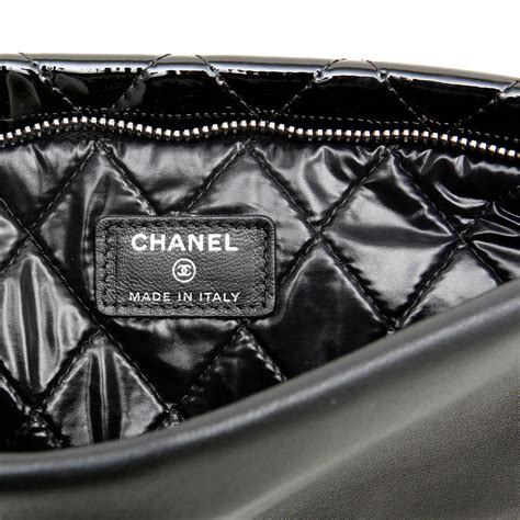 Clucth Chanel 10 chanel black quilted patent leather clutch at 1stdibs