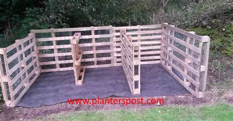 Pallet composting bin home composting the planters post vegetable gardening blog