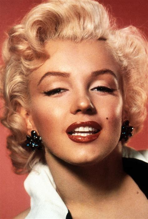 marilyn monroe face why are we still in love with marilyn monroe fashion