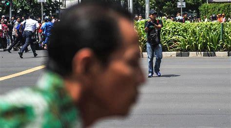 Celana Polisi Bom Sarinah berdandan mirip warga ini wajah terduga salah satu pelaku bom sarinah kabar berita artikel