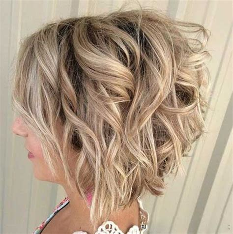 how to curly a short bob hairstyle 25 best ideas about curled bob hairstyle on pinterest