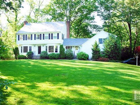107 tokeneke rd darien ct 06820 zillow