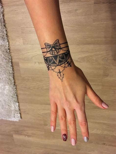 pinterest tattoo bracelet mandala bracelet tattoo with bow tetov 225 l 225 s pinterest