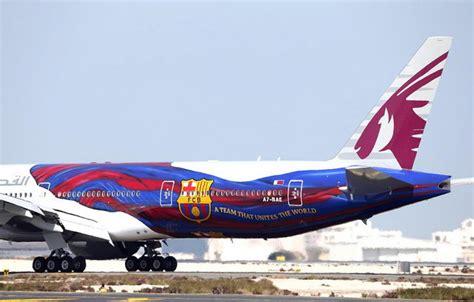 barcelona qatar airways qatar airways features fc barcelona livery on boeing 777