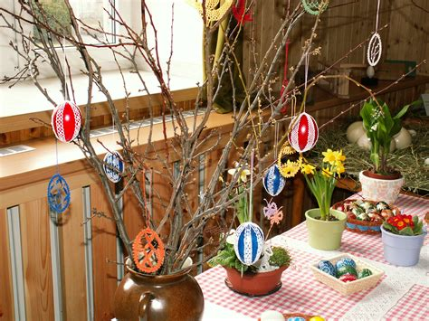 Decorating With Grapevine File Easter Eggs Crochet Decoration Jpg Wikimedia Commons