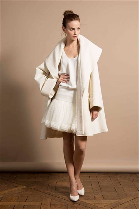 Wedding Attire Weather by Baby It S Cold Outside The Coziest Bridal Cover Ups